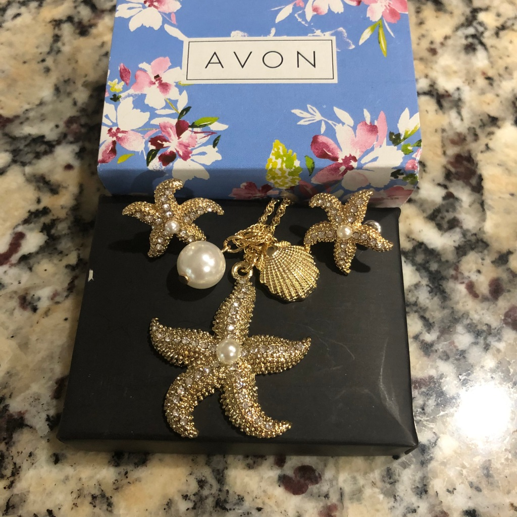 Avon Starfish necklace and earring set
