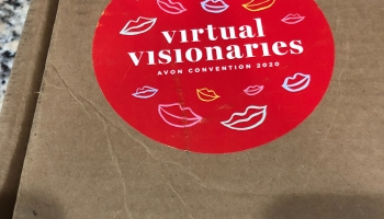 Avon Visionaries prize box