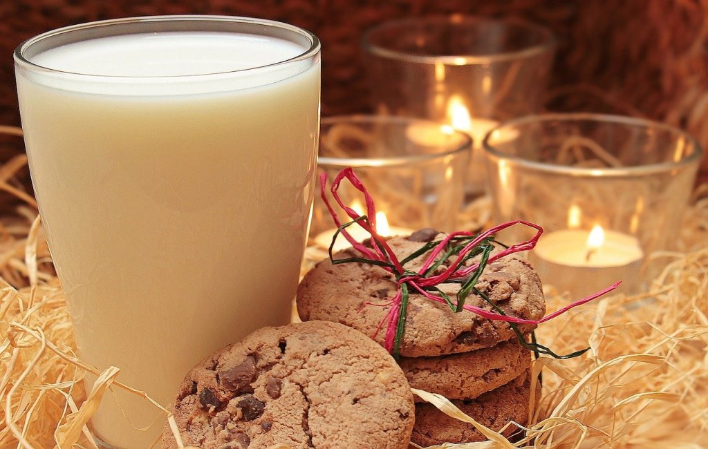 Classic Christmas with milk and cookies
