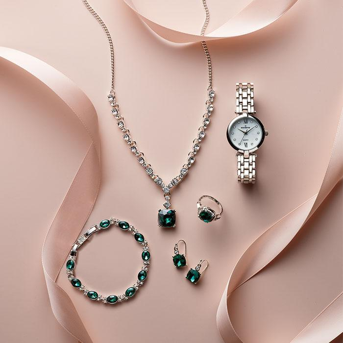 look of Emerald Jewelry at AVON